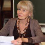 «Я бы хотела пожелать радости…» Интервью со знаменитой русской писательницей Олесей Николаевой